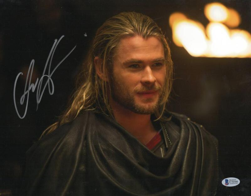 CHRIS HEMSWORTH THOR SIGNED 11X14 PHOTO THE AVENGERS AUTOGRAPH BECKETT COA J