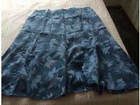 BLUE LEAF PATTERNED SKIRT (Debenhams, Classic design) Size XL BRAND NEW
