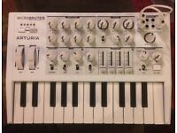 Microbrute Very powerful fully analogue mono synth. WHITE
