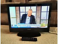 Toshiba 22 inch LCD TV with Freeview