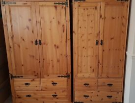 3 pieces solid pine bedroom set.Very good condition.