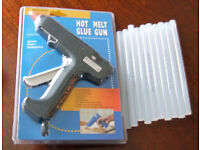 NEW and UNUSED K-600 60w Glue Gun with 10 extra glue sticks £10.00