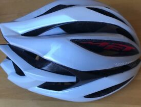 Almost new cycle Professional Helmets