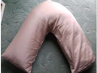 V Shaped Pillow and Pillow Case brand new