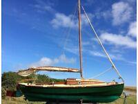 Drascombe Peterboat 6 metre, beautiful wooden sailing boat - 2 berth cabin, Good condition