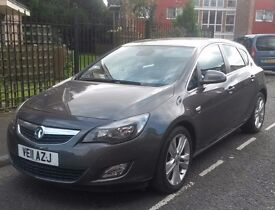 61 plate Vauxhall astra sri 2ltr 160bhp cdtdi one owner full service history in showroom condition