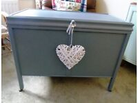 SELLING ATTRACTIVE WOODEN GREY BEDDING/STORAGE CHEST