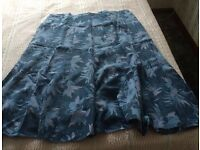 BLUE LEAF PATTERNED SKIRT (Debenhams, Classic design) Size XL BRAND NEW