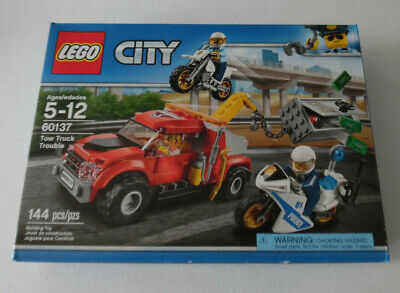 LEGO City  Police Tow Truck Trouble 60137 144 Piece Building Set Toy Age 5-12