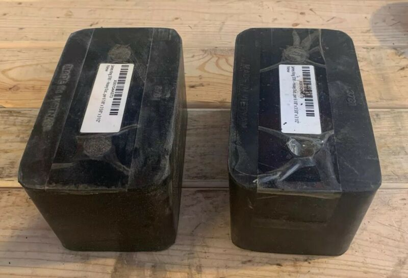 """1 Pair Of Loading Dock Bumpers 6 1/8""""x3 5/8""""x3 1/2"""""""