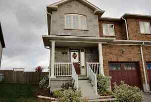 5th Line Subdivision- Angus - Beauty End Unit Townhome