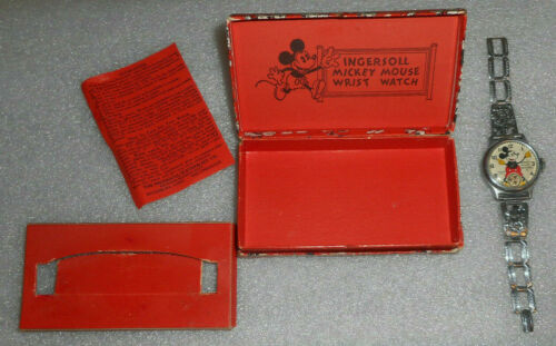 MICKEY MOUSE WATCH 1933 INGERSOLL / DISNEY / COMPLETE / DISPLAYS VERY NICELY !!!