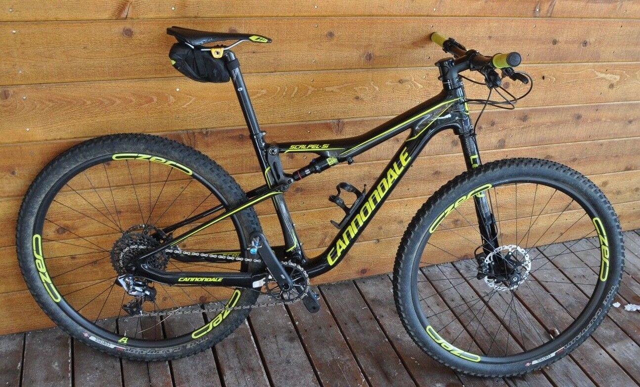 2017 Cannondale Scalpel 2 Carbon 29er With Carbon wheels! (Medium) Slightly used