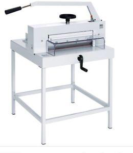 Guillotine paper cutter