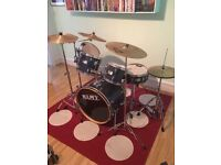 Mapex V-series drum set