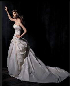 6cbcd6a0bfd8c Wedding Dress | Buy or Sell Wedding Clothing in Canada | Kijiji ...