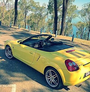 2003 Toyota MR2 Spyder 6 speed sequential manual transmission