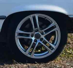 Sporty Alloy Wheels with Tires