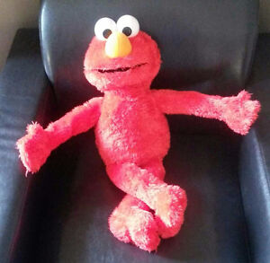 Hug Me Elmo