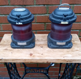 2x Red Ships signal Lamps