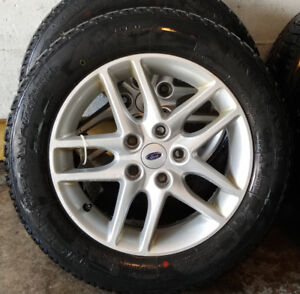 4 mags Ford Fusion 2012 pneus d'hiver / winter tires 205-60-16