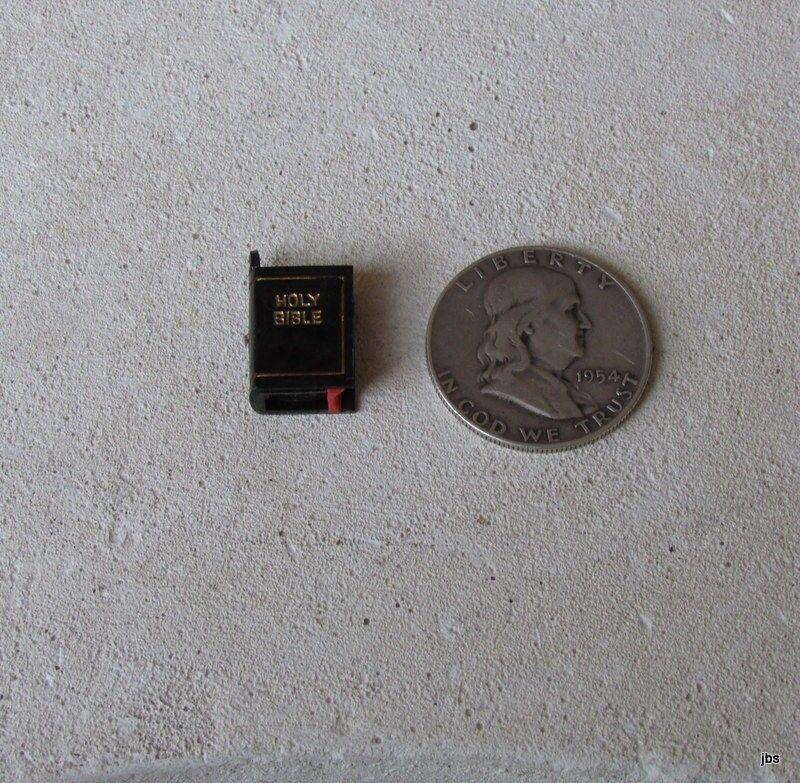 Miniature Bible Stanhope-Lords Prayer Charm