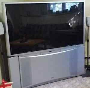 "HITACHI 57"" HD rear projection TV MINT CONDITION!"