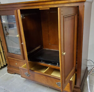 TV cabinet.  Estate Sale.  Wood and Veneer.