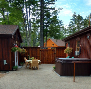 Cottage for Rent with Screened Porch, New HotTub & Guest House !