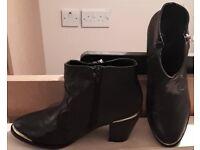 F&F Black / Gold Boots - Size 7