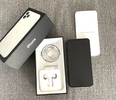 iPhone Silver 11 pro max 256gb unlocked Excellent condition
