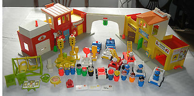 Vintage FISHER-PRICE Little People Play Family Village Main Street & Accessories