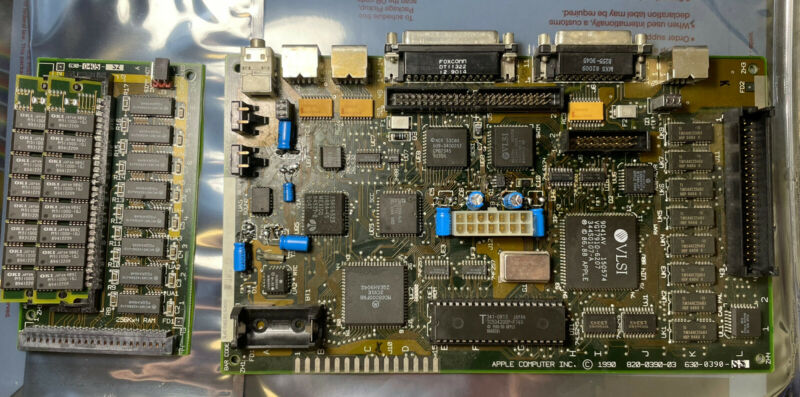 RECAPPED Apple Macintosh Classic Logic Board Motherboard M1420 +3MB Memory Board