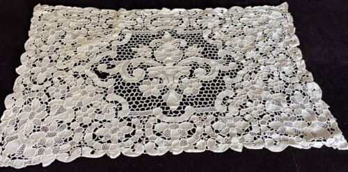 4 Vintage Antique Hand Made Needle Lace Placemats  VV905