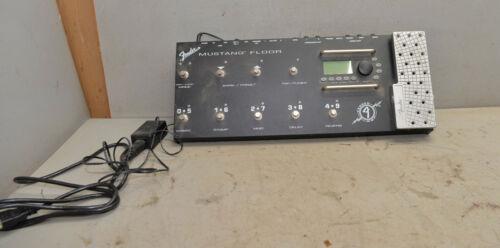 Fender Mustang floor amp modeler multi effects guitar accessory vintage music