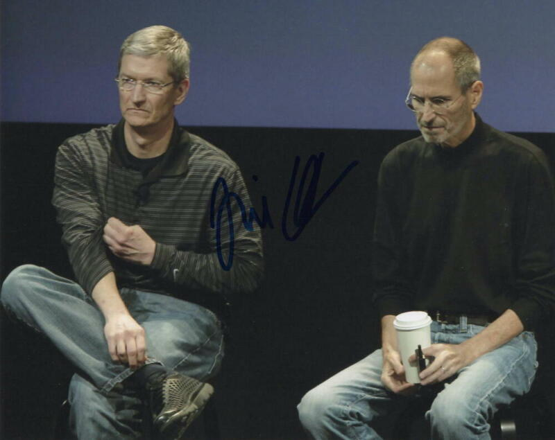 TIM COOK SIGNED AUTOGRAPH 8X10 PHOTO - APPLE CEO W/ STEVE JOBS, VERY RARE!
