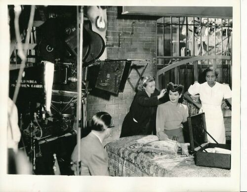 ROSALIND RUSSELL Director ALEXANDER HALL CANDID Studio Set Vintage LIPPMAN Photo