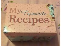 Me To You-Recipes Box with Recipe Cards & Biscuit Cutter Brand New