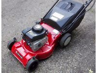 Sovereign Self Propelled Lawnmower with Briggs and Stratton Engine