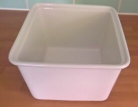 Churchill Counter Serve Rectangle Casserole Dish 33cm White Super Vitrified