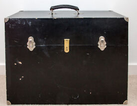 Wooden carrying case for large format View Camera