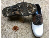 Golf shoes, Size 9, Plastic spikes, almost new worn 3 times