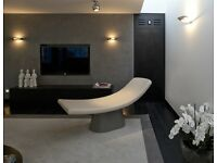 Specialist decorator experienced in polished plasters