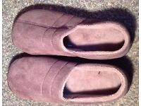 Grey men s slippers size 9