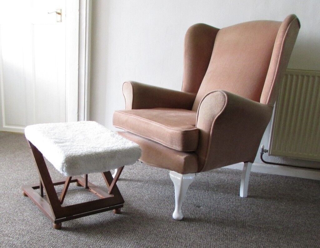 Fantastic Vintage Chair Armchair Wing Back Queen Annes Style Legs Chair Extra Wide Delivery Within Le3 Area In Leicester Forest East Leicestershire Theyellowbook Wood Chair Design Ideas Theyellowbookinfo