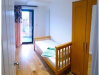 Single Room with Balcony in New Building Canada Water/Surrey Quays