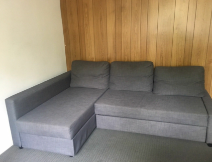 Wanted: Delivery of Sofa from Elwood 3184 to Melbourne CBD 3000