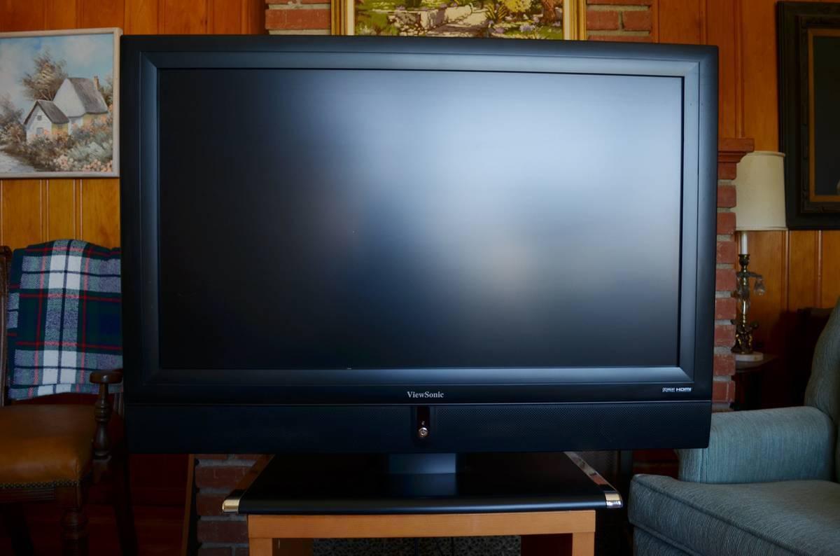 Viewsonic LCD TV 37 Flatscreen + Remote Control / N3752W / Exltn Cndtn