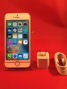 iPhone 5s 32GB Blanc et Or pour Bell ou Virgin en état comme neuf