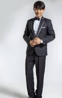 Brand New Men's Suits